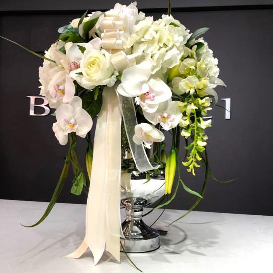 Gümüş Vazoda Orkide Ve Akasyalı Söz Nişan Çiçeği ev dekorasyonu orkide gül akasya dalı ortanca baştacı özel tasarım beyaz güller