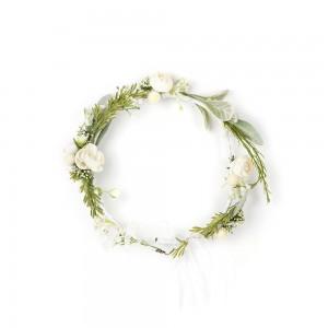 Beyaz Çiçekli Taç